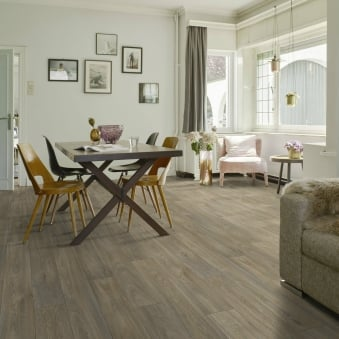Queens Havanna Mid Oak Vinyl Flooring